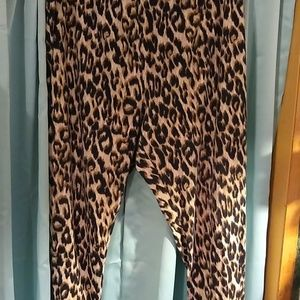 Nwot 3x cheetah print leggings